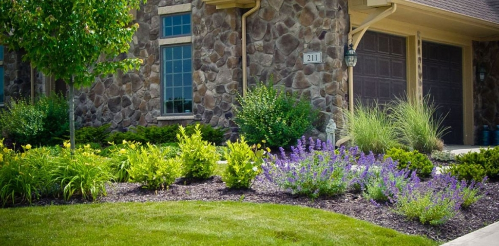 Landscaping Ideas For Front Of House In Northeast : Hoot landscape and design is a premier build company