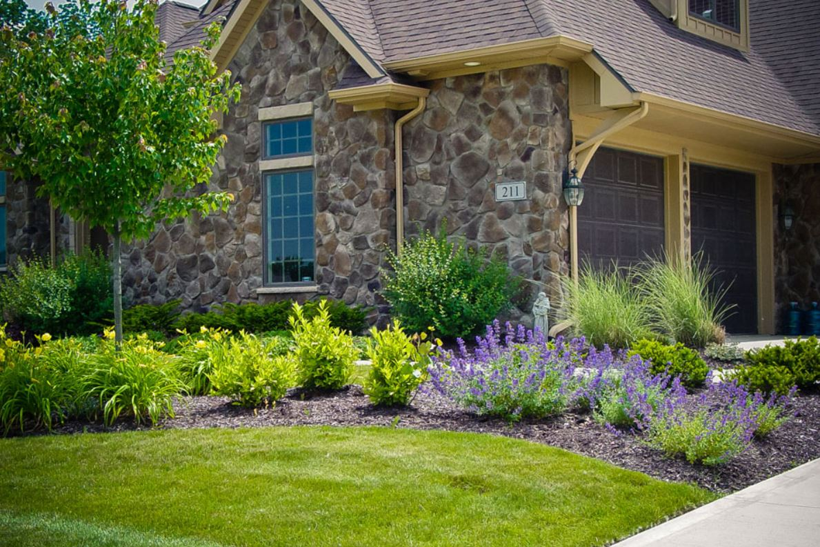 Gallery For Front Door Landscape Design
